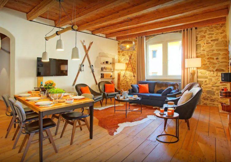 Explorez la ville & le lac depuis cet appartement 4 étoiles - OVO Network