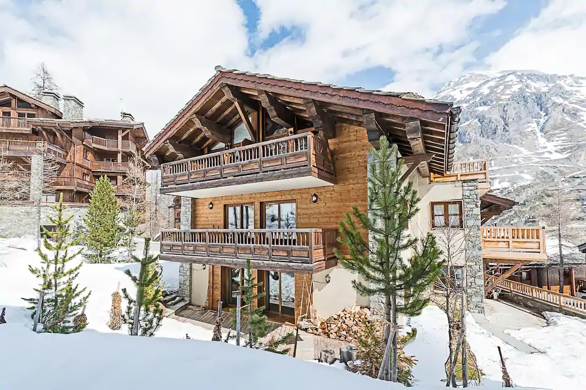 Unique Ski-In-Ski-Out Chalet Apartment