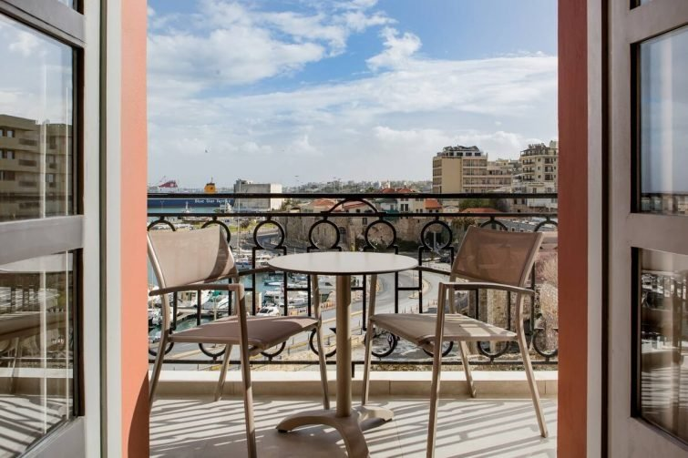 Chic Apartment with Views of Koules Fortress