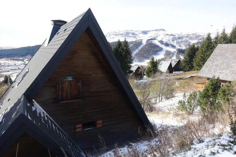 Grand chalet moderne avec vue sur le Cantal