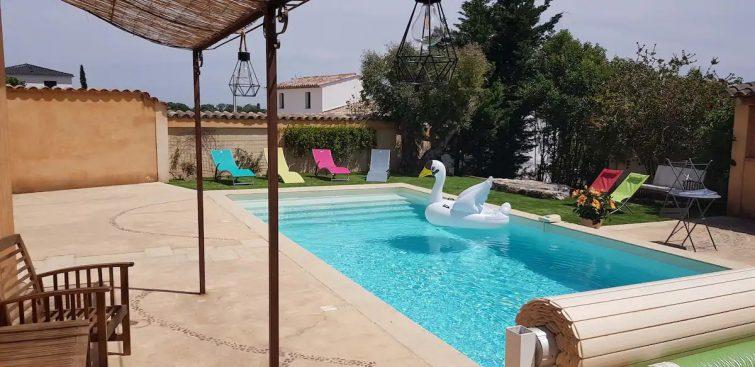 Studio climatisé avec piscine et parking privé
