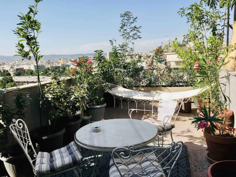 downtown modern small apartment /terrace with view