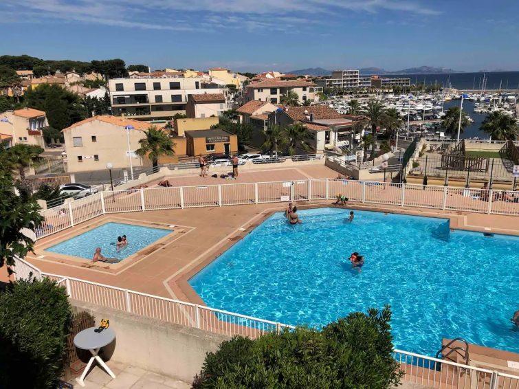Apt T1 bis avec piscine et loggia vue sur mer - airbnb Sausset-les-Pins
