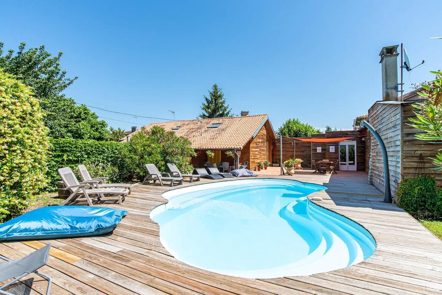 Villa 15 Personnes Piscine et Jardin Prives