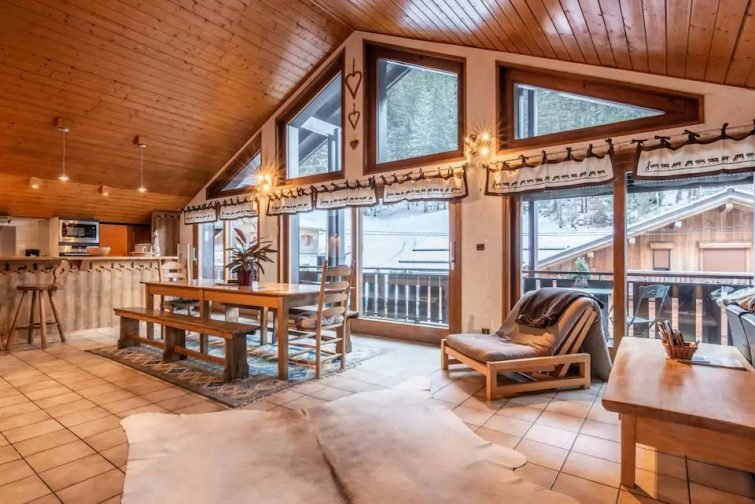 Bright and welcoming spacious apartment in chalet