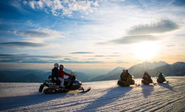 10 endroits où faire de la motoneige dans les Alpes