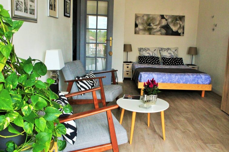 Studio avec balcon Chartres
