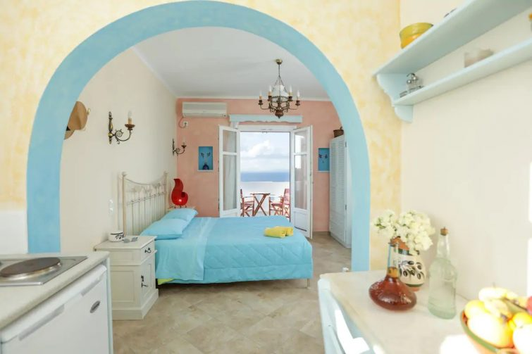 airbnb Naxos - Villa Athina-Flatlet with sea view & swimming pool
