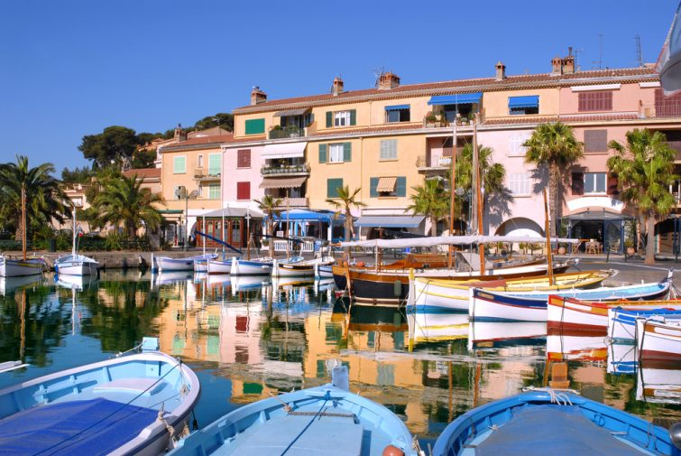 Port de Sanary en France sur la Côte d'Azur