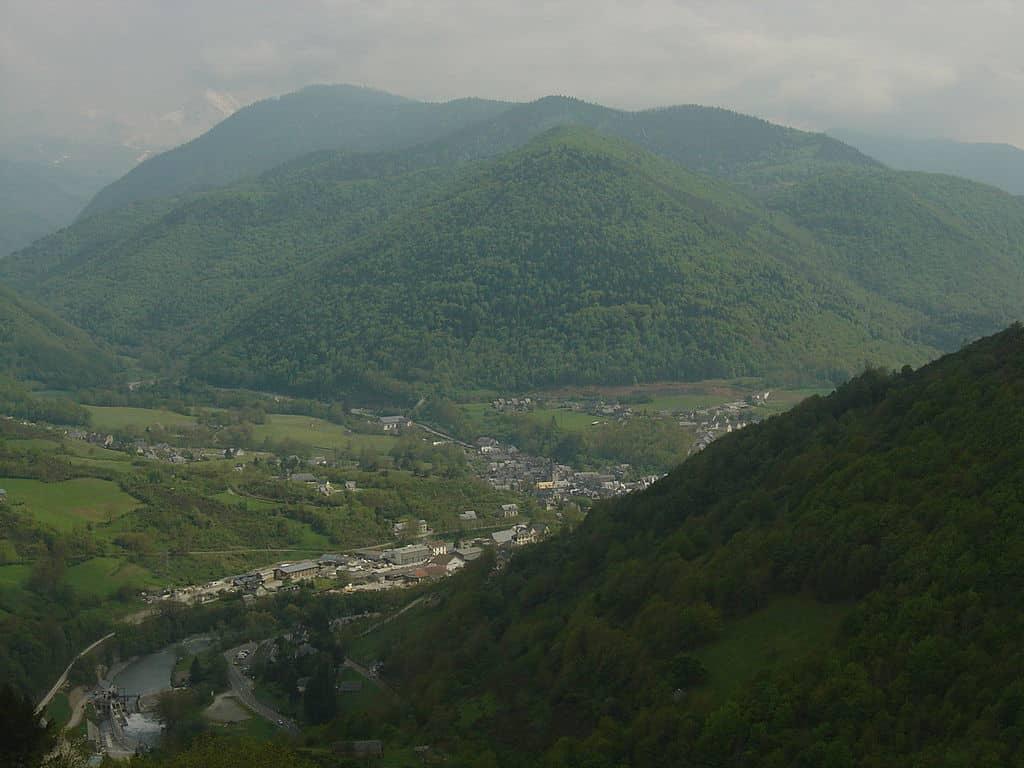 Vue d'Arreau depuis l'ascension du col d'Aspin