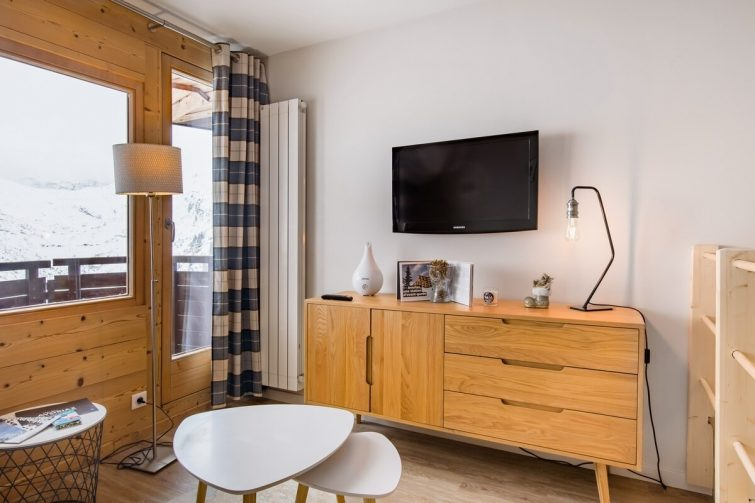 Appartement refait à neuf par architecte, belle vue et au pied des pistes