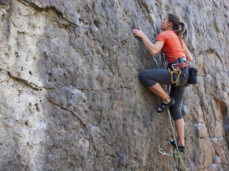 Escalade Alpes activités outdoor
