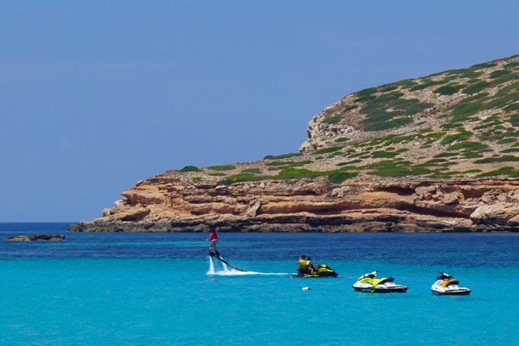 Activités outdoor à Ibiza : flyboard