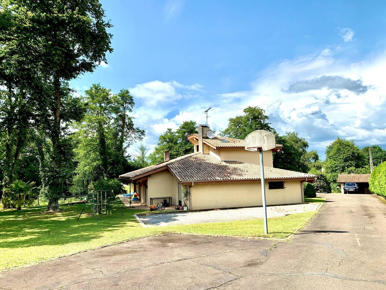 Villa 350 m2 bord de l'étang Mont-de-Marsan centre