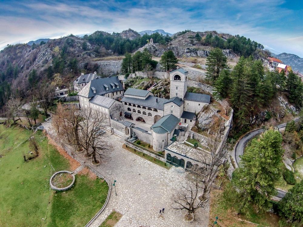 Le monastère de Cetinje, symbole de la résistance monténégrine face aux Ottomans