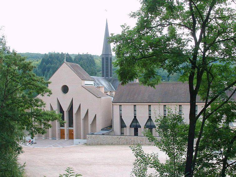 L'abbaye de la Pierre qui Vire