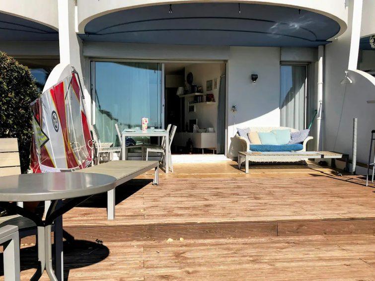 Logement avec grande terrasse
