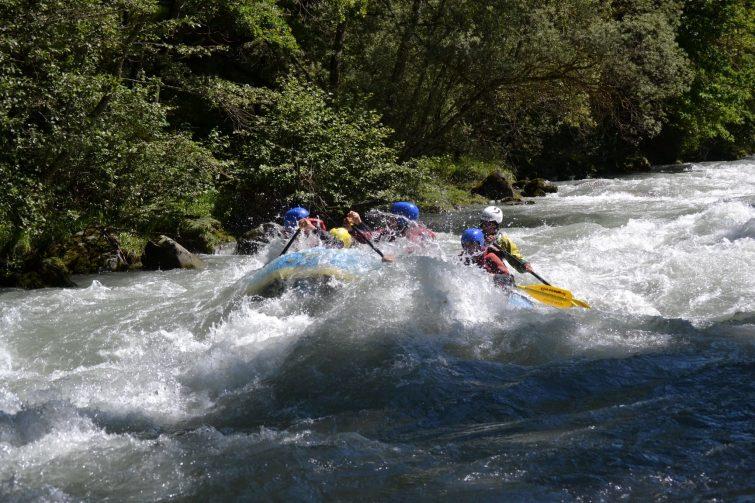 Faire du rafting en Savoie, sur le cours de l'Isère