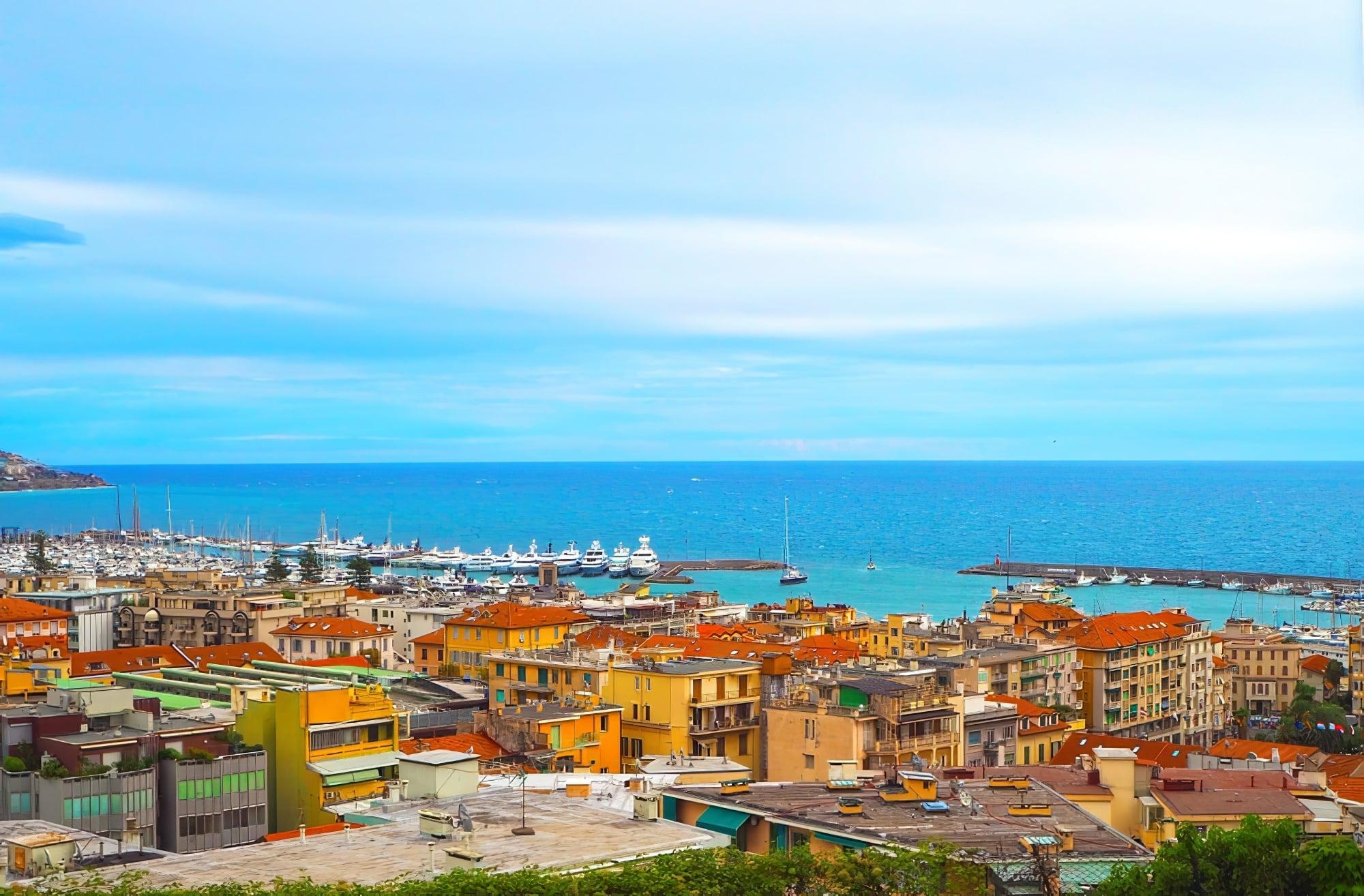 Vue sur le port de Sanremo
