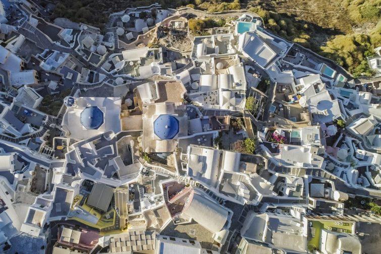 Faire de l'hélicoptère à Santorin