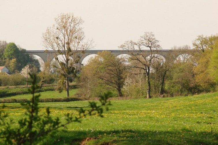 Viaduc de l'Auzon, à Cluis