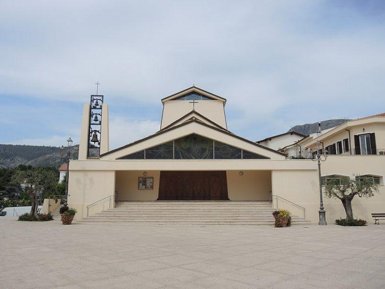 Eglise Santa Maria, Sperlonga