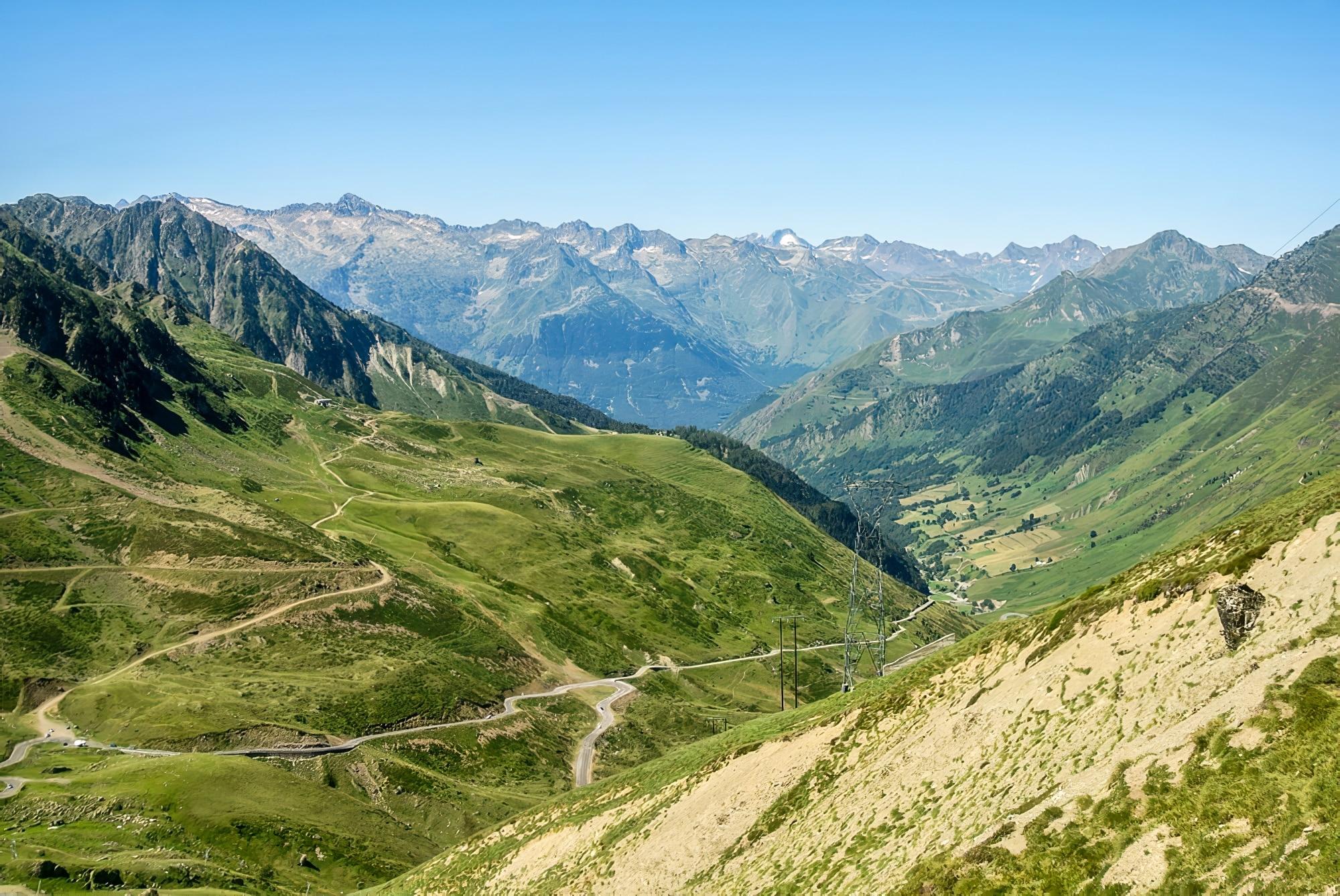 À l'assaut des cols mythiques des Pyrénées, à vélo !