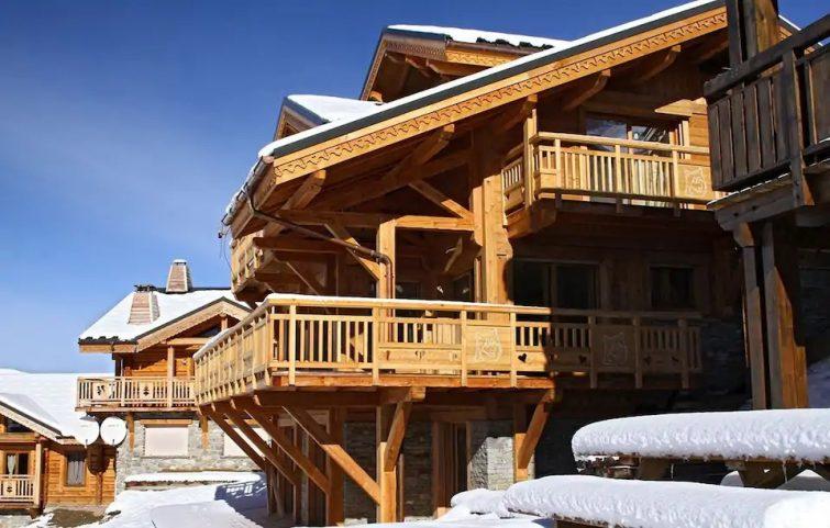 Super Endroit ! Chalet Rénové, 80m des Pistes + Local à Skis