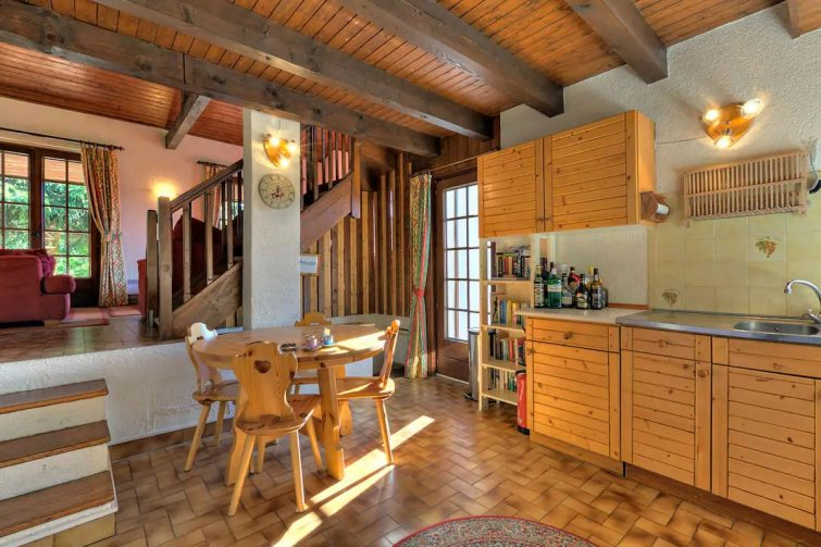 Les Erines: spacious & comfortable, village centre