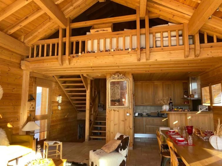 Luxury chalet in central Alpe d'Huez