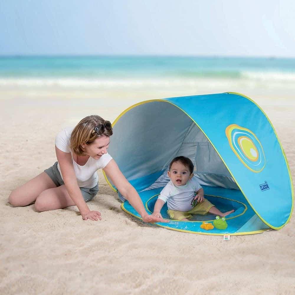 Une tente anti-UV avec piscine