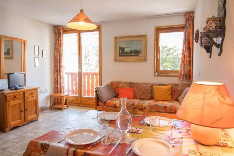 COM220M :Appartement dans quartier calme proche des navettes gratuites et de la piscine