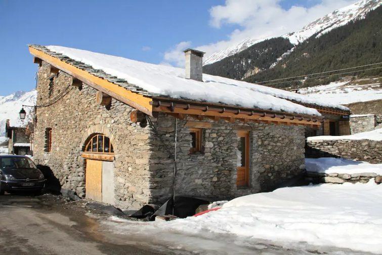 Grange restaurée Valcenis: Le Pont d'Arc - chalets Val Cenis