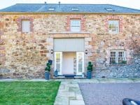 Granite Coach House in idyllic valley location
