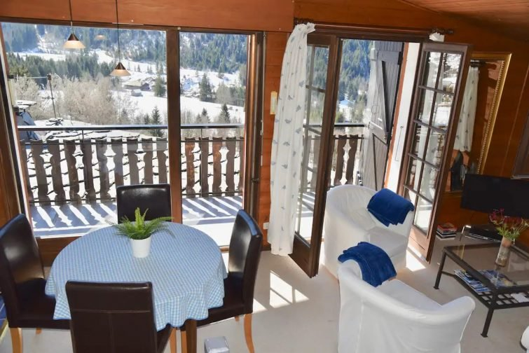 ⭐️Charming 2+ bedroom (4 pièces) apartment sleeps 6