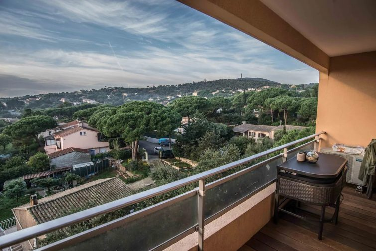 LES PINS ENSOLEILLÉS / Aperçu mer, Wifi et Netflix - Airbnb Sainte-Maxime