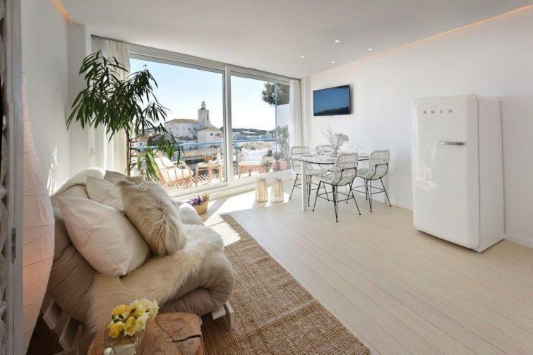 101.16_Superbe appartement reformée avec terrasse avec vue sur la mer.