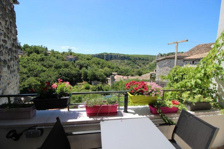 Duplex 38 m² village médiéval, Gorges Ardèche - Dormir à Balazuc