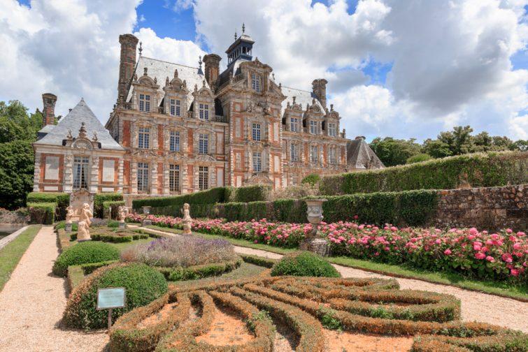châteaux à visiter en Normandie - Château de Beaumesnil