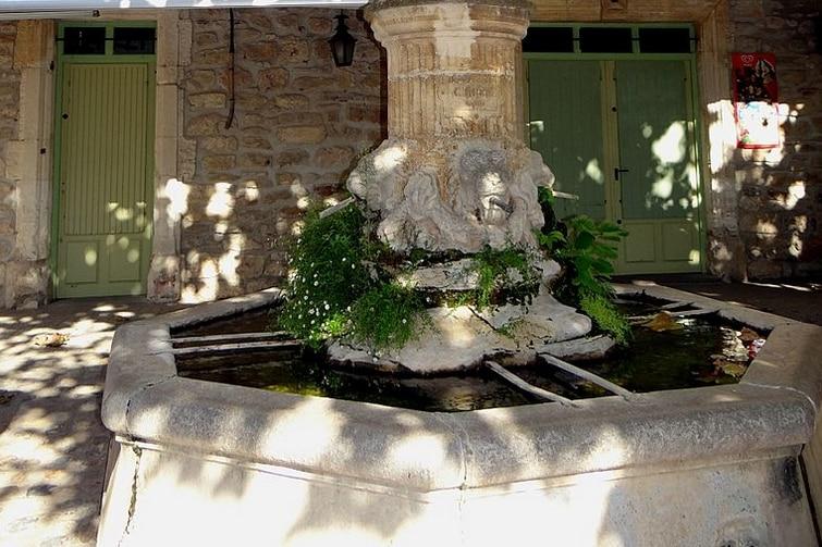 Fontaine Aiguèze