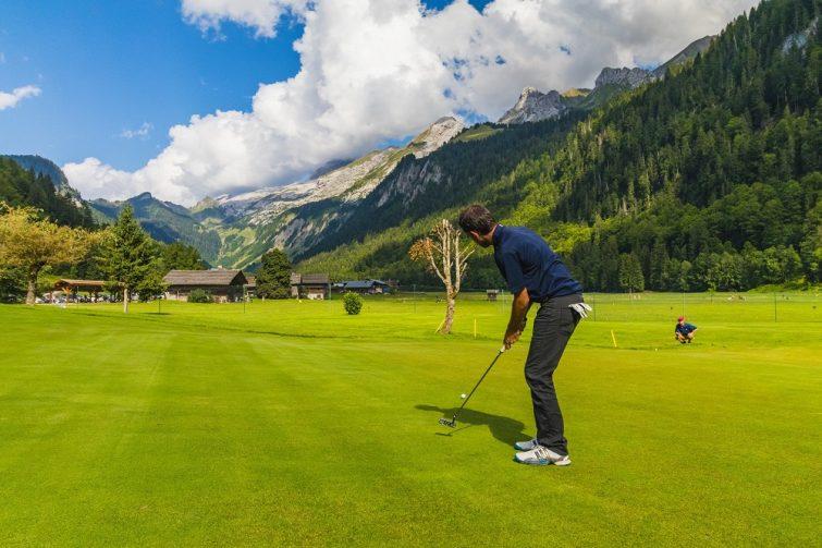 Golfer au Grand-Bornand
