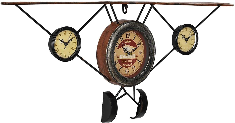 Une horloge murale en forme d'avion ancien