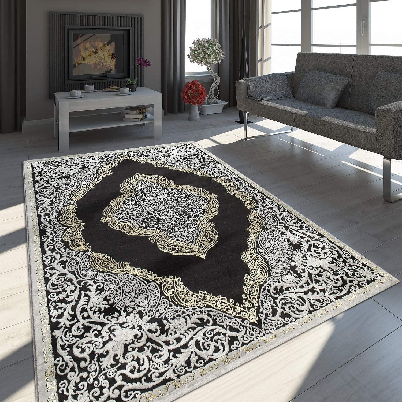 Un tapis décoratif oriental