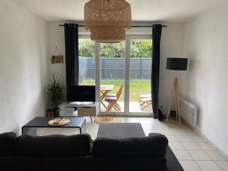 Appartement T2 au calme avec piscine et jardinet