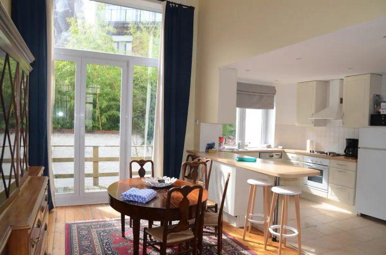 Lumineux appartement st Gilles près du Châtelain