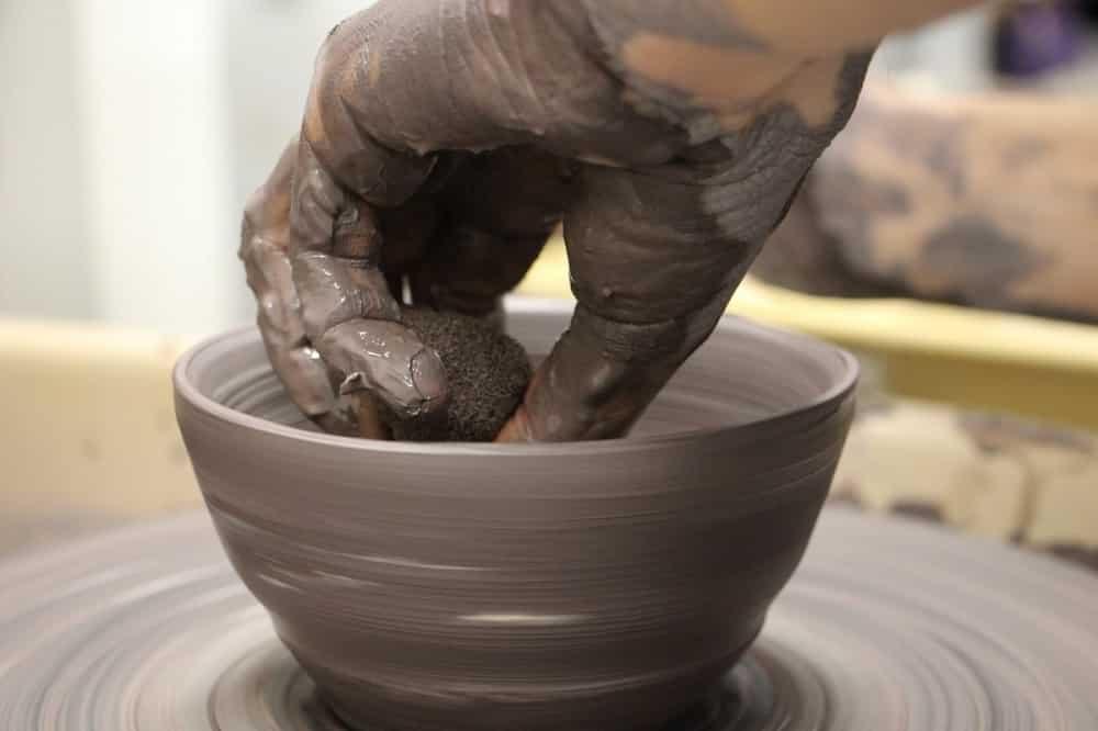 Un atelier poterie et céramique