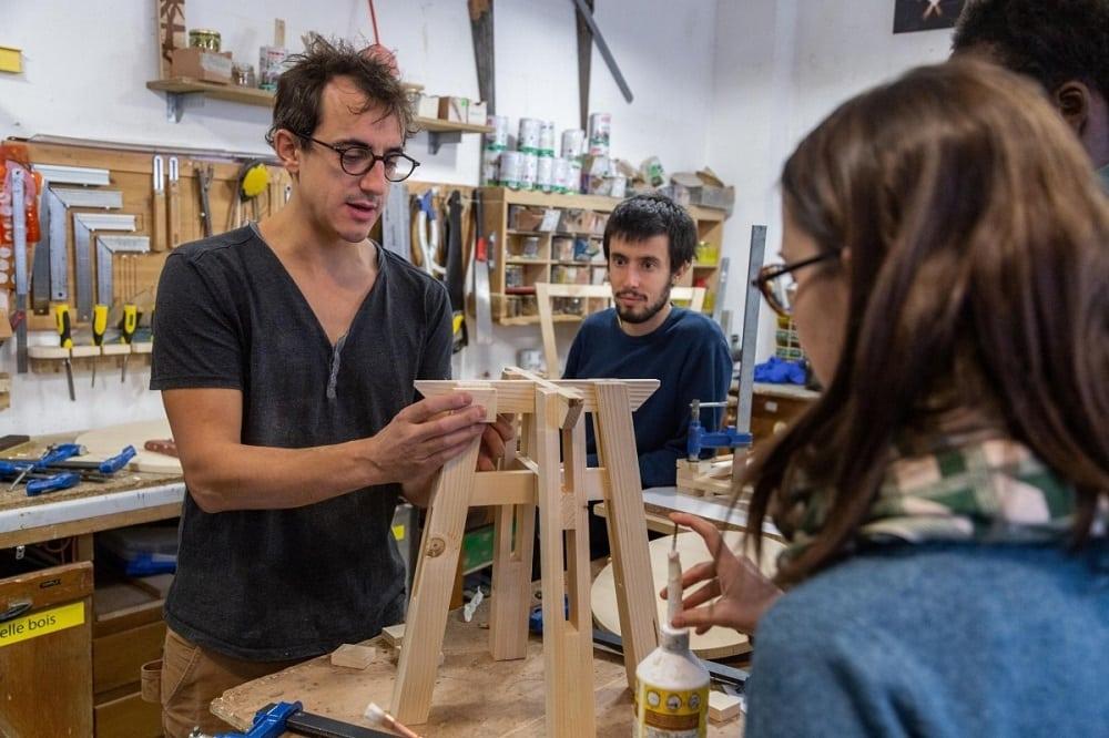 Un atelier pour créer son meuble en bois
