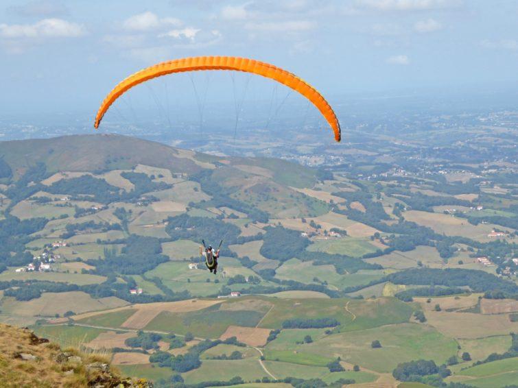 Baigura pays basque parapente