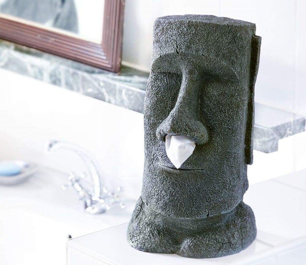 Un distributeur de mouchoirs Moai
