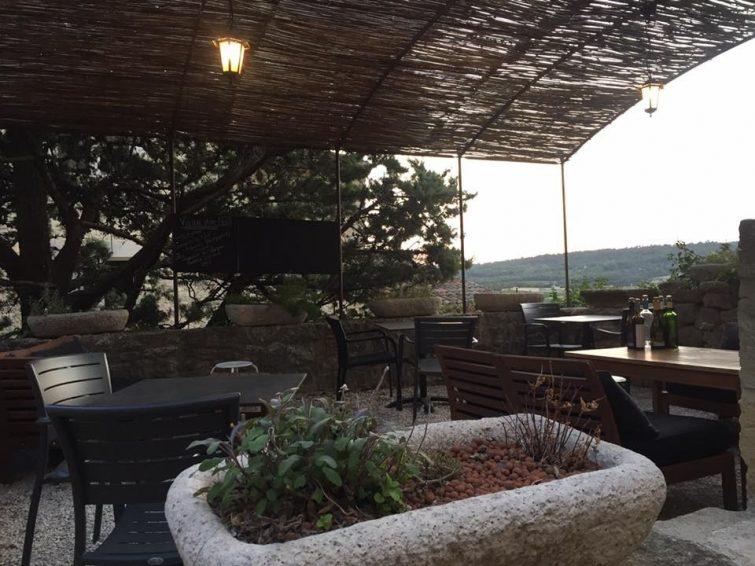 Le Grain de Sel - restaurant - bar à vin manger à Ansouis